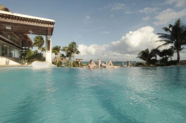 Piscina resort Riviera Maya