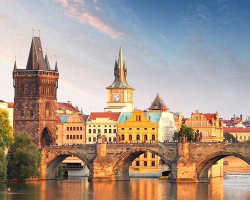 Prágai városlátogatás repülőjeggyel, szállással