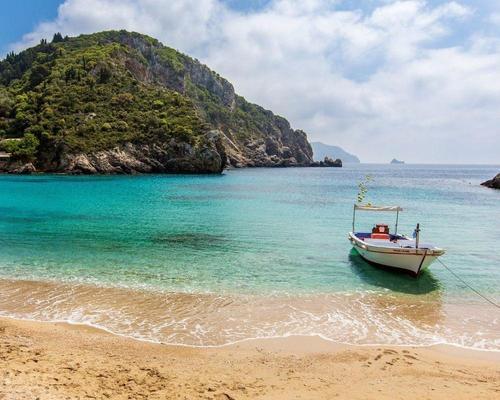 Nyaralás Korfun: repülőjegy és hotel