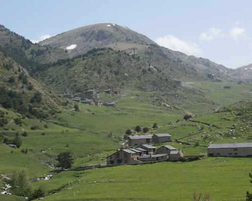 Routing con tu coche recorriendo los Pirineos desde el Mediterráneo