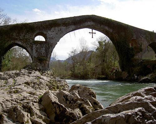 Puente cangas de onis, asturias