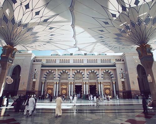 Umrah (7 Nights at 5*) 3 Night in Madinah at The Oberoi, Madina + 4 Nights in Makkah at Raffles Makkah Palace + Air tickets from New York