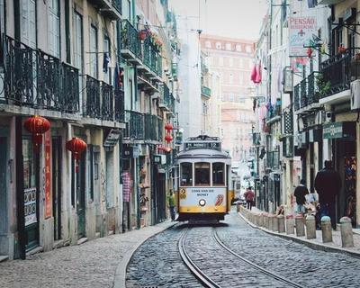 Desde Bilbao: Lisboa. Puente de diciembre Vuelos + 4 noches en hotel 3* con desayuno + Seguro