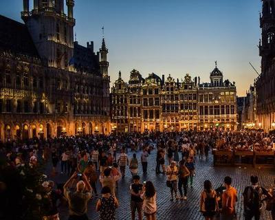 """Brüssels """"Plaisirs d'Hiver""""-Festival & Weihnachtsmarkt inkl. Schokoladen- & Bierverkostung"""