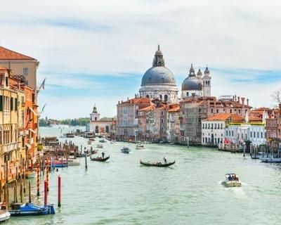Velence városlátogatás hotellel, reggelivel és repülőjeggyel