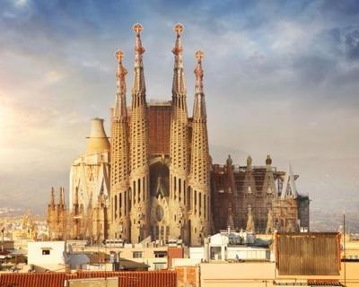 Barcelona 4 csillagos szállással, repjeggyel, illetékkel Debrecenből