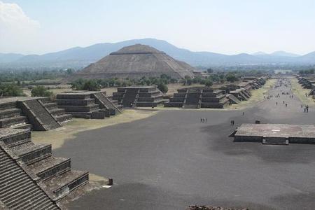 Pyramiden von Teotihuacán und Guadalupe