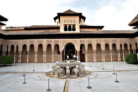 Entrada para la Alhambra con audioguía, incluidos los Palacios Nazaríes