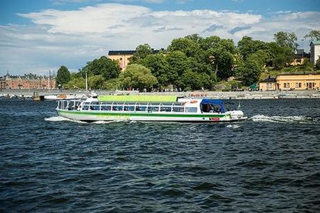 Hop-on-Hop-off-Tour mit dem Boot durch Stockholm
