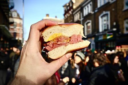 Secret Food Tour of Shoreditch, London w/ Private Tour Option