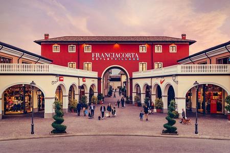Excursión de compras al Franciacorta Outlet Village desde Milán
