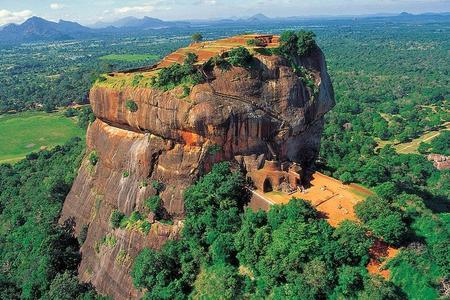 Excursión privada de un día a la fortaleza de roca Sigiriya y al templo de la cueva de Dambulla