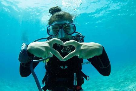 Immersioni subacquee a Ibiza: corso per principianti