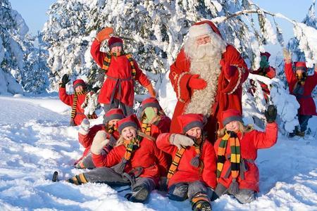 Día de la familia: motos de nieve, animales del Ártico y la aldea de Santa