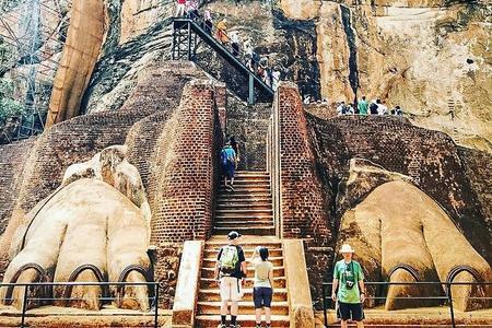 Excursão de um dia a Sigiriya, Dambulla e Polonnnaruwa Trilogy saindo de Colombo