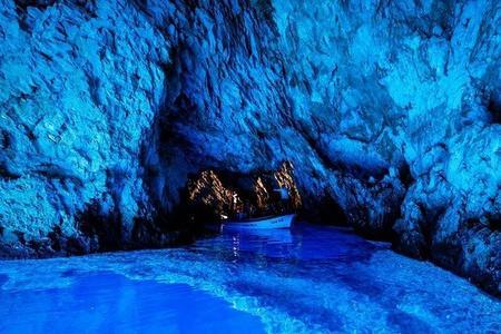 Tour di 6 isole, Lesina e la Grotta Azzurra con pranzo e degustazione di vini, per piccoli gruppi