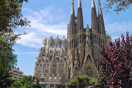 Montserrat, Sagrada Familia & Barcelona - Desde Salou/Tarragona