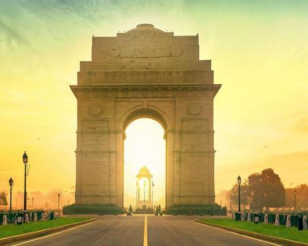 TOUR PRIVADO DE MEDIO DÍA EN DELHI. Opcional guía en castellano y vehículo privado.