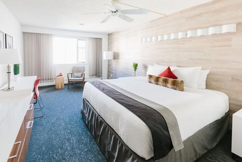 The Elk & Avenue Hotel, Featured Image