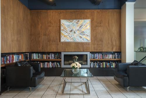 Kiwi International Hotel, Featured Image