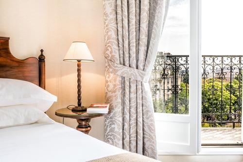 Villa Montparnasse, Imagem em destaque