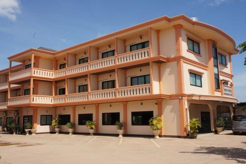 Chaleunehoung Hotel, Featured Image