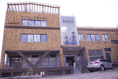 Vivi Hotel, Featured Image