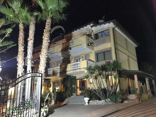 Hotel Ristorante L'Orizzonte, Featured Image