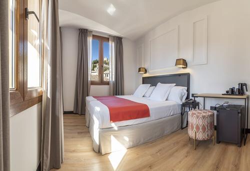 Hotel Boutique Puerta de las Granadas, Featured Image