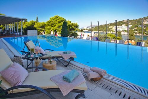 Hotel Uvala, Featured Image