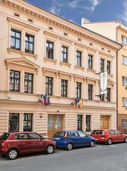 Hotel Augustus et Otto, Featured Image
