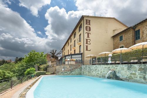 Hotel Dei Capitani, Featured Image