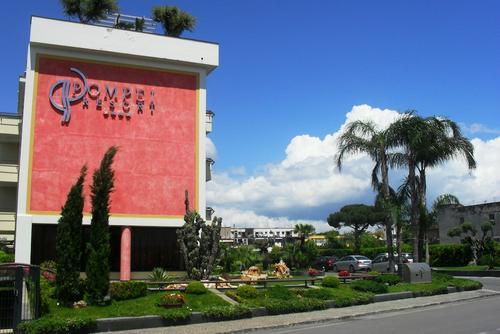 Pompei Resort, Featured Image
