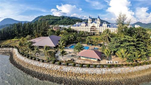 Bella Vista Waterfront Resort, Featured Image