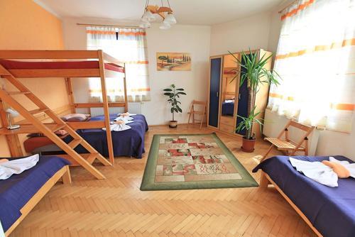 Hostel Sklep, Featured Image