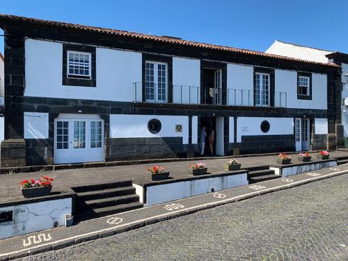 Casa das Barcas, Featured Image